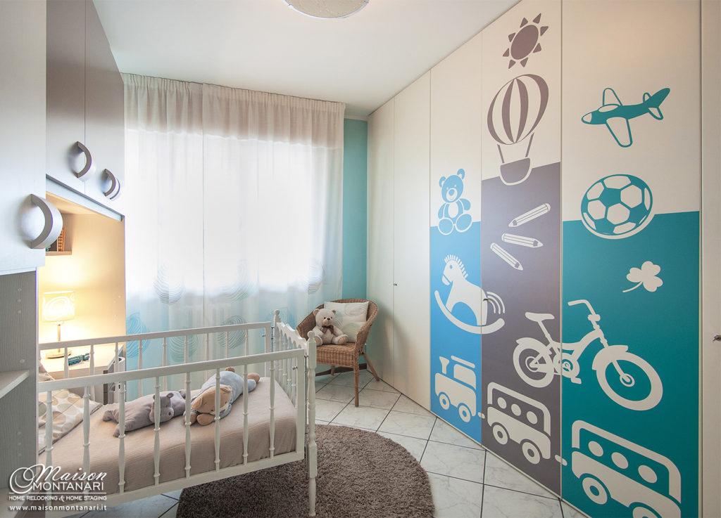 decorazione adesiva per armadio di una cameretta bimbo