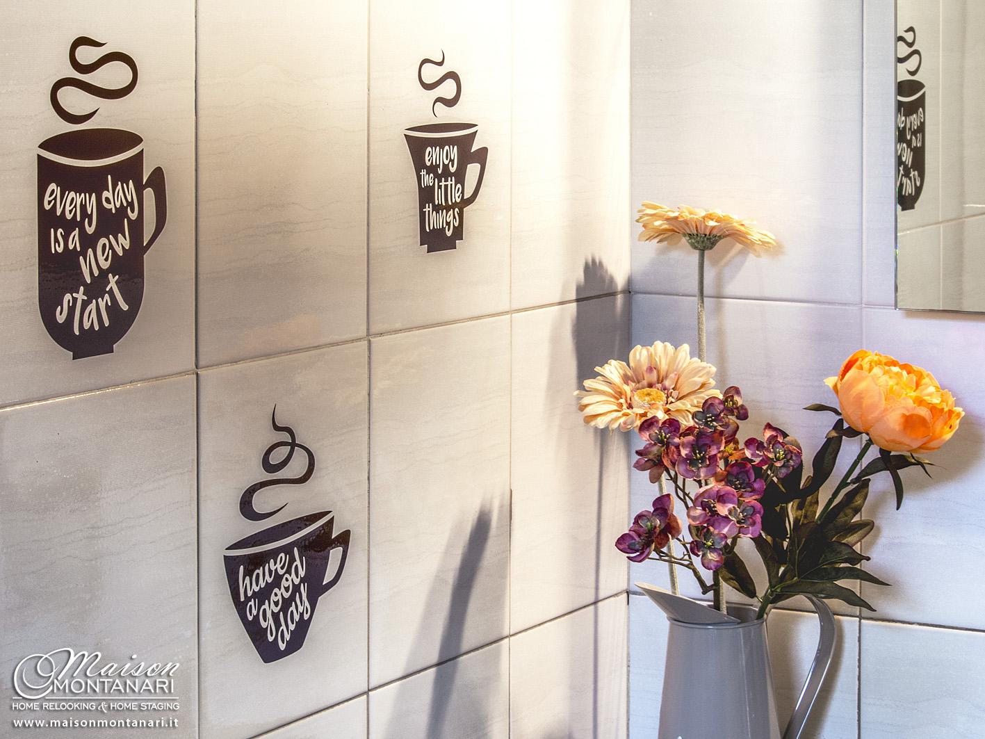 Decorazione bagno con fiori e adesivi su piastrelle u maison montanari